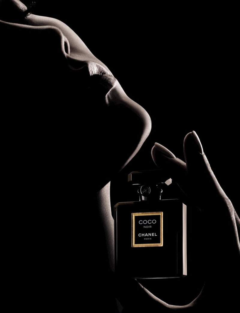 Karlie Kloss: New Chanel Coco Noir Campaign And New Girlfriend!