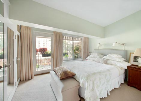 Karlie Kloss New York Apartment bedroom