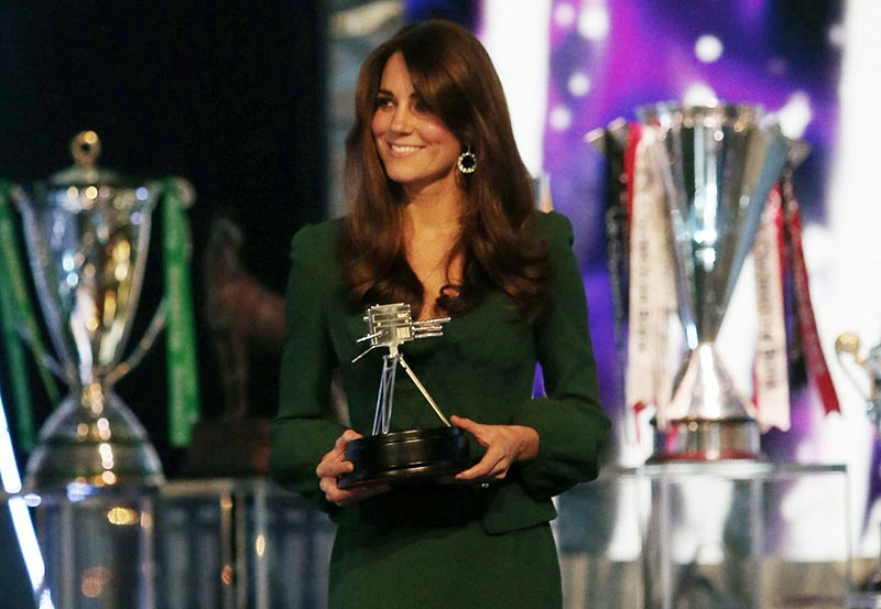 Kate Middleton pregnant in green McQueen dress 2