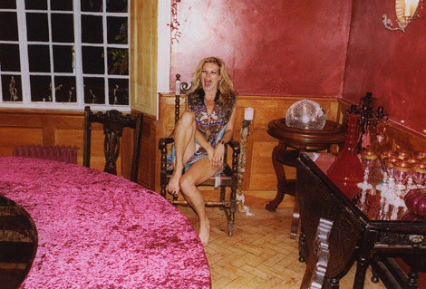 Kate Moss home dining