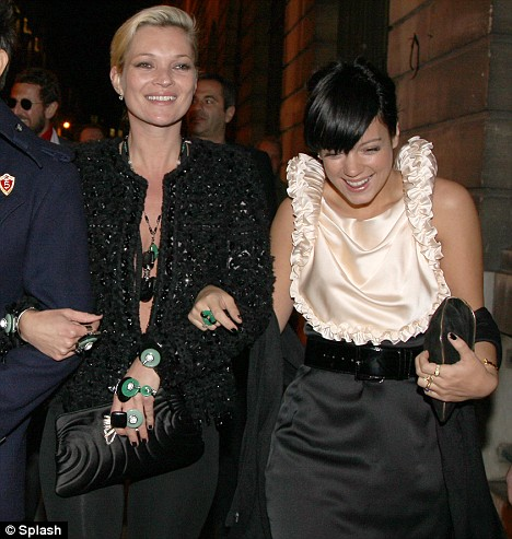 Kate Moss Lily Allen black nails