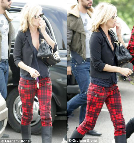 Questionable Style &#8211; Kate Moss Tartan Skinny Pants