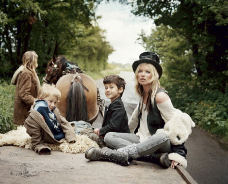 Kate Moss he Gypsies V 61 carriage