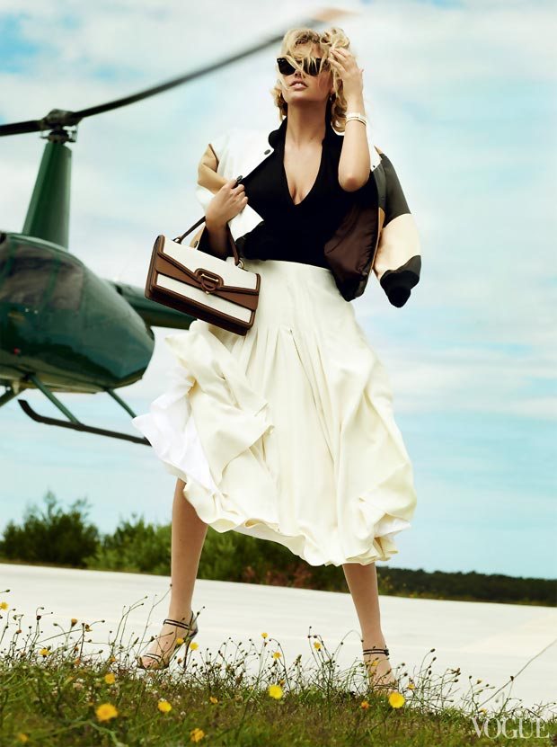 Kate Upton Vogue US June 2013 helicopter picture