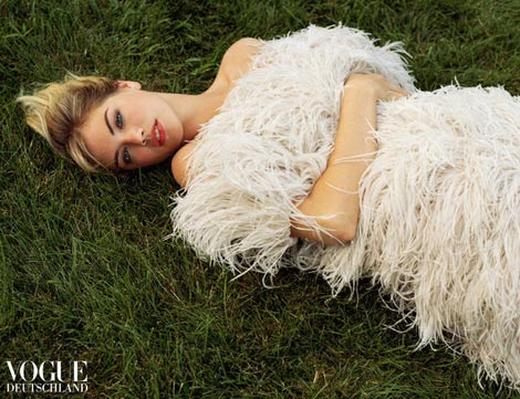 Kate Upton white feathers Vogue Germany January 2013