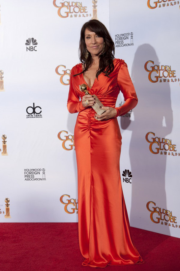 Katey Sagal orange dress Golden Globes 2011 1