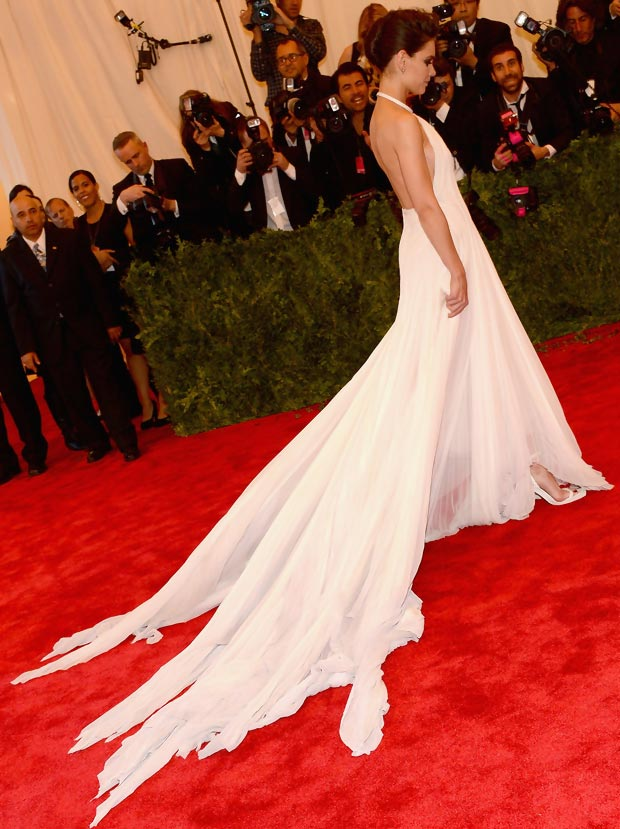 2013 Met Gala Fashion: Katie Holmes White Calvin Klein Dress