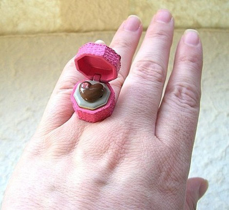 Kawaii floating rings SouZou Creations heart chocolate