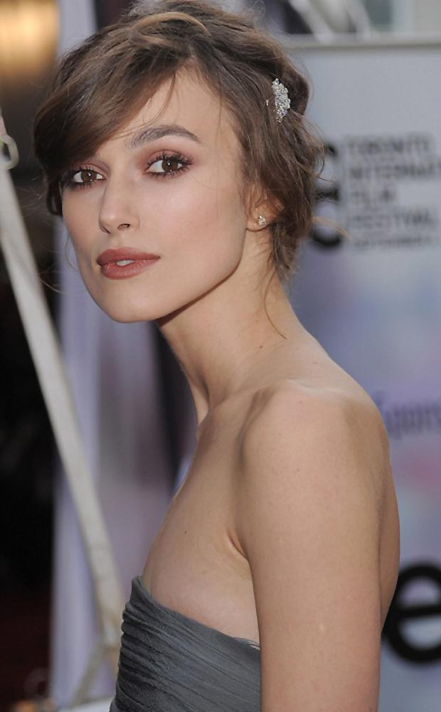 Keira Knightley fashion disaster grey dress