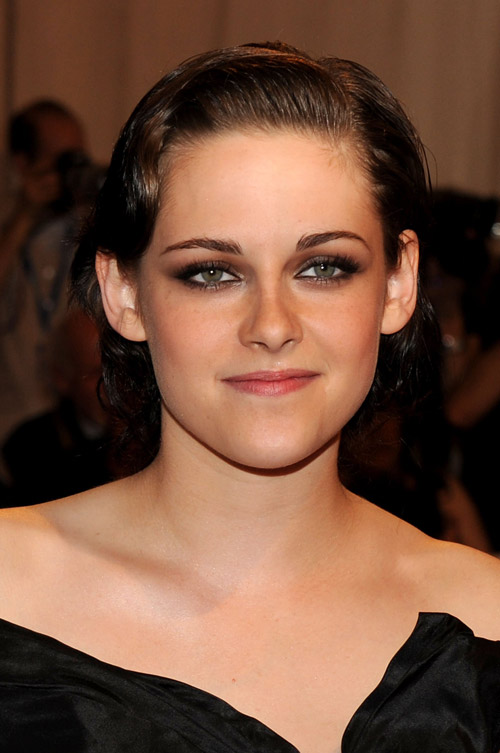 Kristen Stewart Chanel black dress Met Gala 2010 2