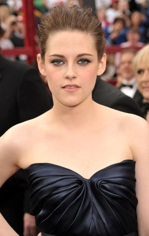 Kristen Stewart Monique Lhuillier dress 2010 Oscars 1