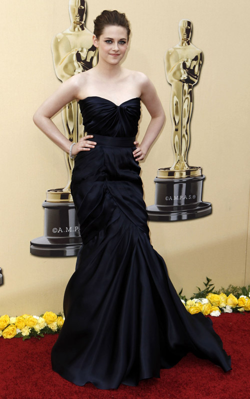 Kristen Stewart Monique Lhuillier dress 2010 Oscars 2