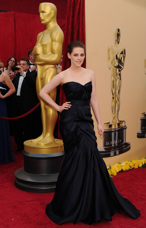 Kristen Stewart Monique Lhuillier dress 2010 Oscars
