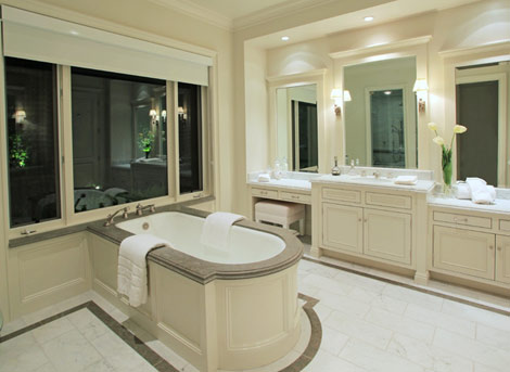 Lady Gaga mansion bathroom fake