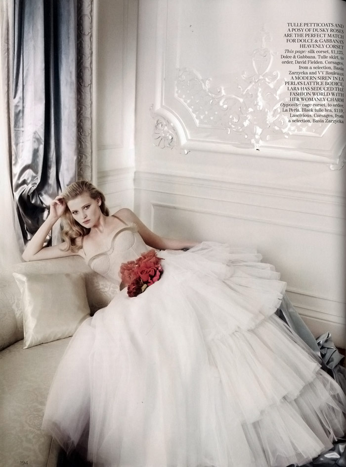 Lara Stone Vogue UK December 2009 2