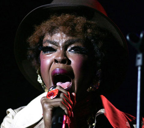 Lauryn Hill singing concert