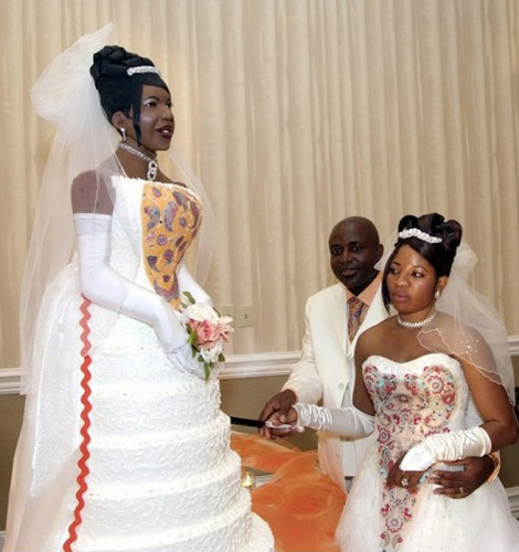 Lifesize bride wedding cake
