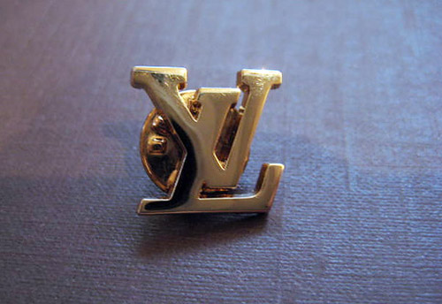 Louis Vuitton button 1