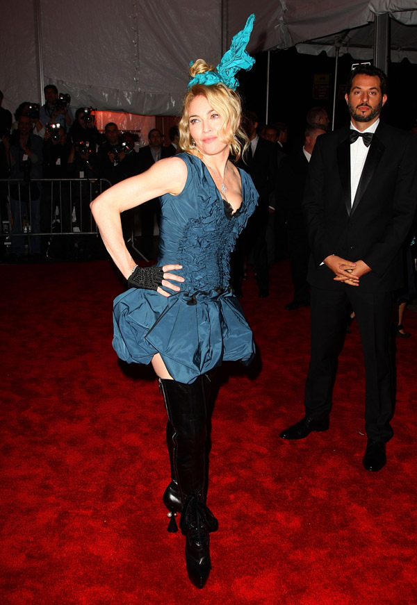 madonna louis vuitton met gala 2009 1
