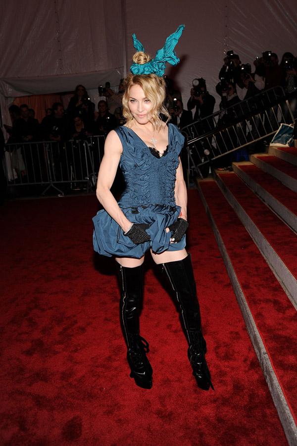 Madonna In Louis Vuitton Dress At Met Gala 2009
