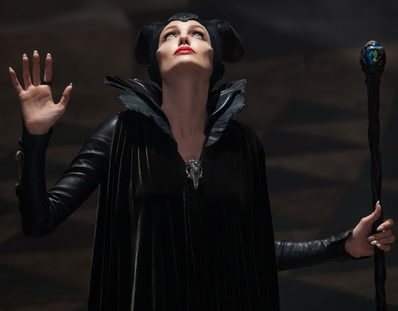 Maleficent Angelina Jolie final scenes costume