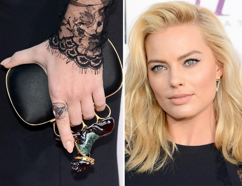 Margot Robbie McQueen clutch 2014 Critics Choice Awards