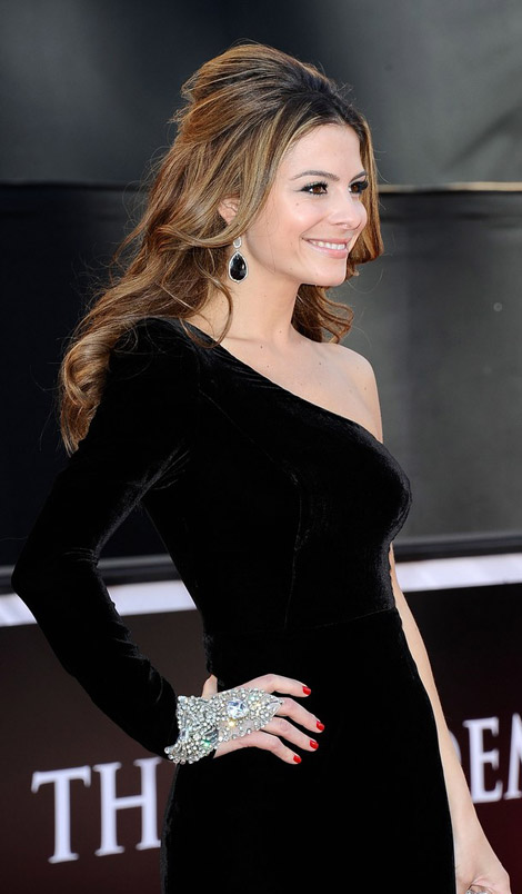 Maria Menounos black dress 2011 Oscars
