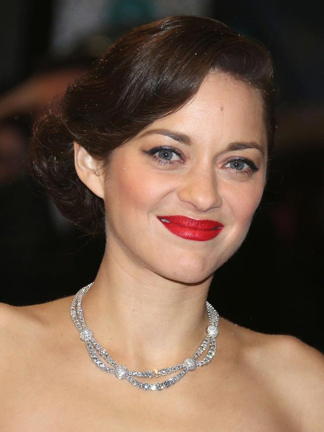 Marion Cotillard 2013 BAFTA Awards makeup jewelry