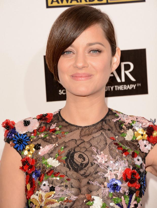 Marion Cotillard hair makeup Critics Choice Awards 2013