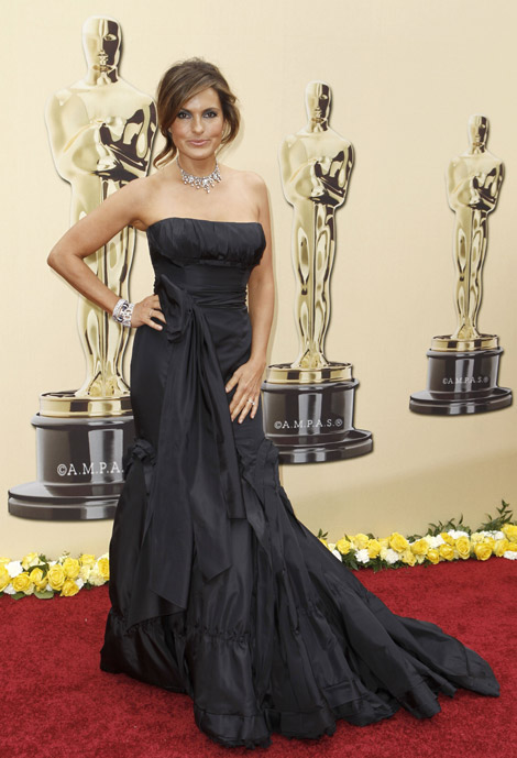Mariska Hargitay Vera Wang dress 2010 Oscars