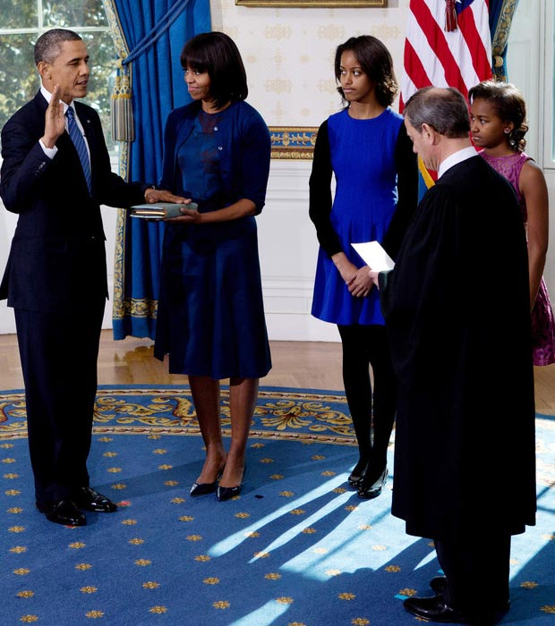 Michelle Obama holding Bible for 2nd swearing in