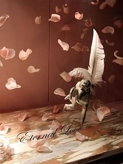 Mikimoto Japan Eternal Love window