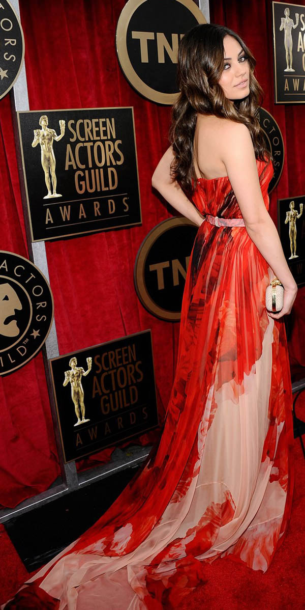 Mila Kunis red Alexander McQueen dress 2011 SAG Awards 1