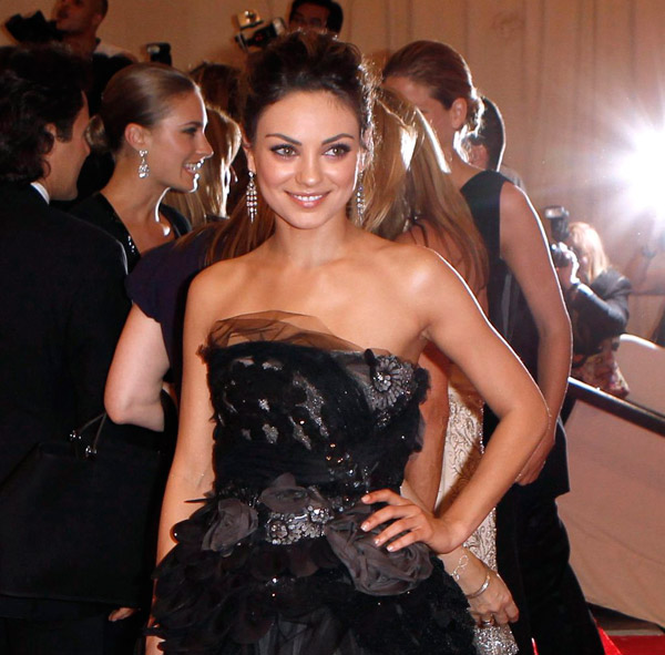 Mila Kunis Vera Wang dress Met Gala 2010 1
