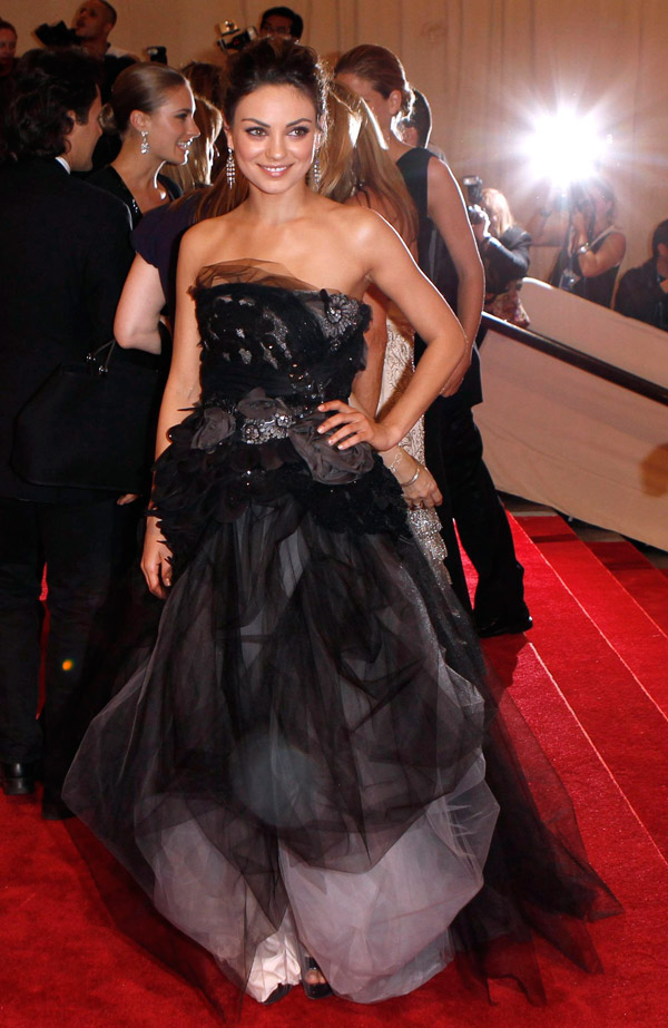 Mila Kunis Vera Wang dress Met Gala 2010 3