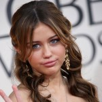 Miley Cyrus Marchesa dress Golden Globe Awards 2009 1