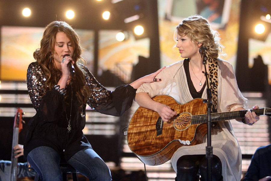 Miley Cyrus Taylor Swift Grammy 2009