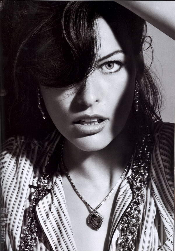 Milla Jovovich Vogue China July 2009 3