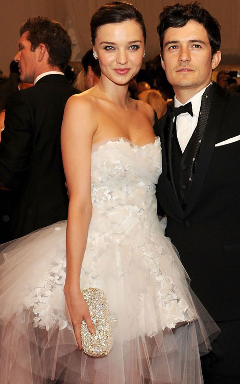 Miranda Kerr white Marchesa dress Orlando Bloom Met gala 2011