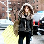 models off duty winter outfit leather jacket