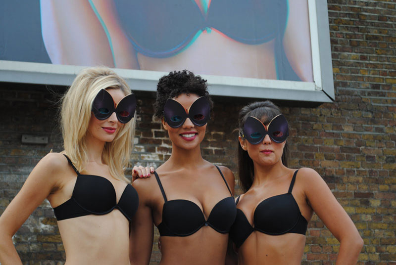 models with special shaped 3D glasses launch wonderbra Billboard