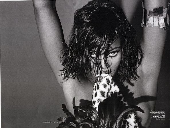 Naomi Campbell Vogue Russia December 08 photo