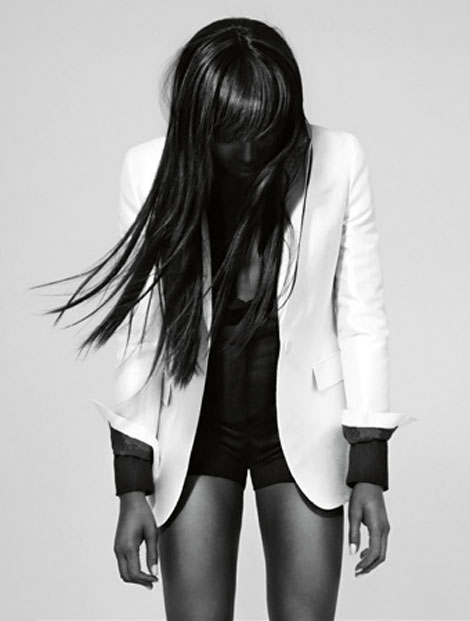 Naomi Campbell Vs Magazine Fall 2010 photo