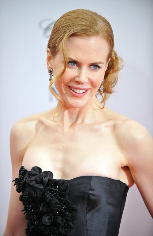 Nicole Kidman powdered nose Nine Premiere 3