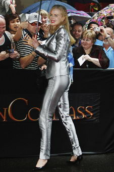 Nicole Kidman Silver Outfit at The Golden Compass australian Premiere