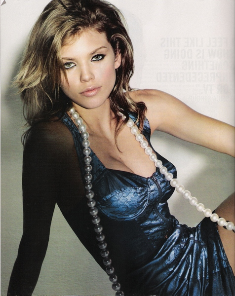 Nylon September 2008 TV issue 90210 is back Annalynne McCord