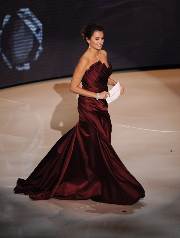 Penelope Cruz Donna Karan dress 2010 Oscars 2