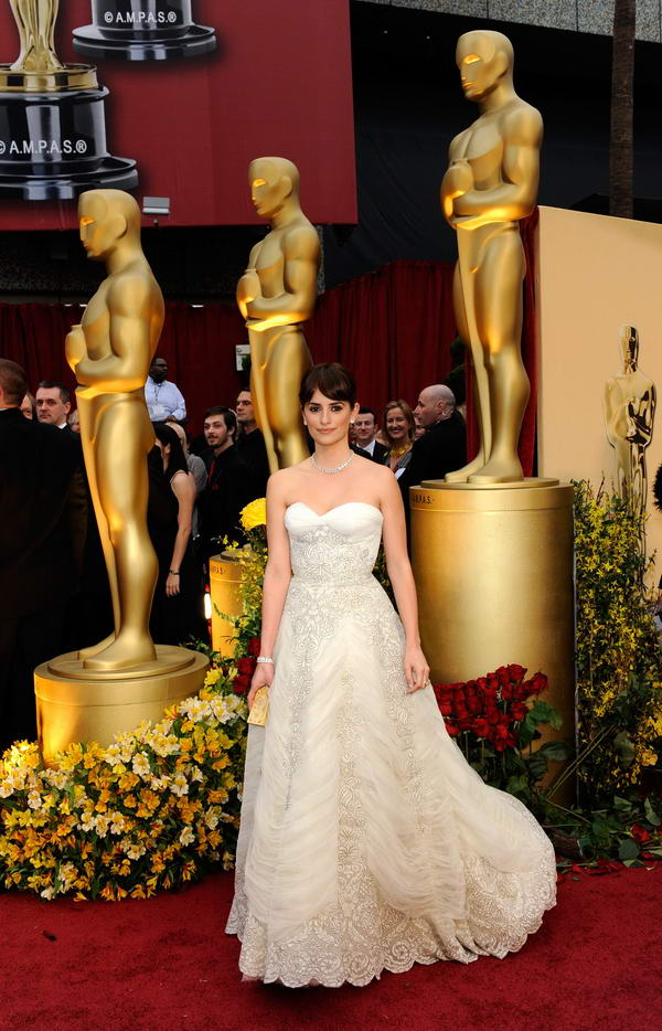 Penelope Cruz Pierre Balmain dress Oscars 2009 3