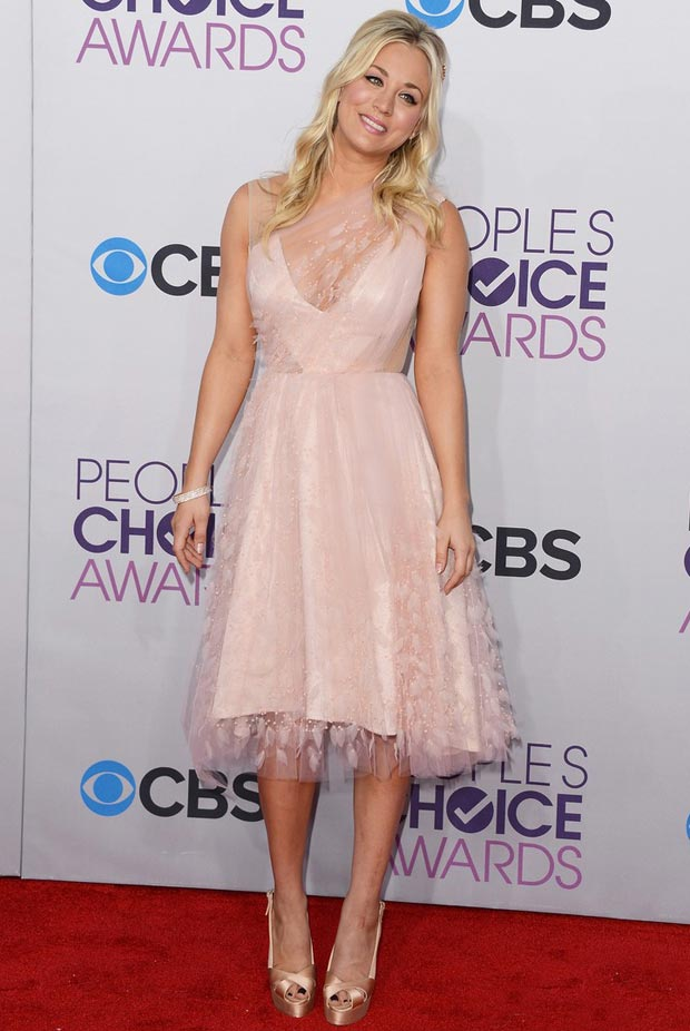People s Choice Awards 2013 host Kaley Cuoco s dress