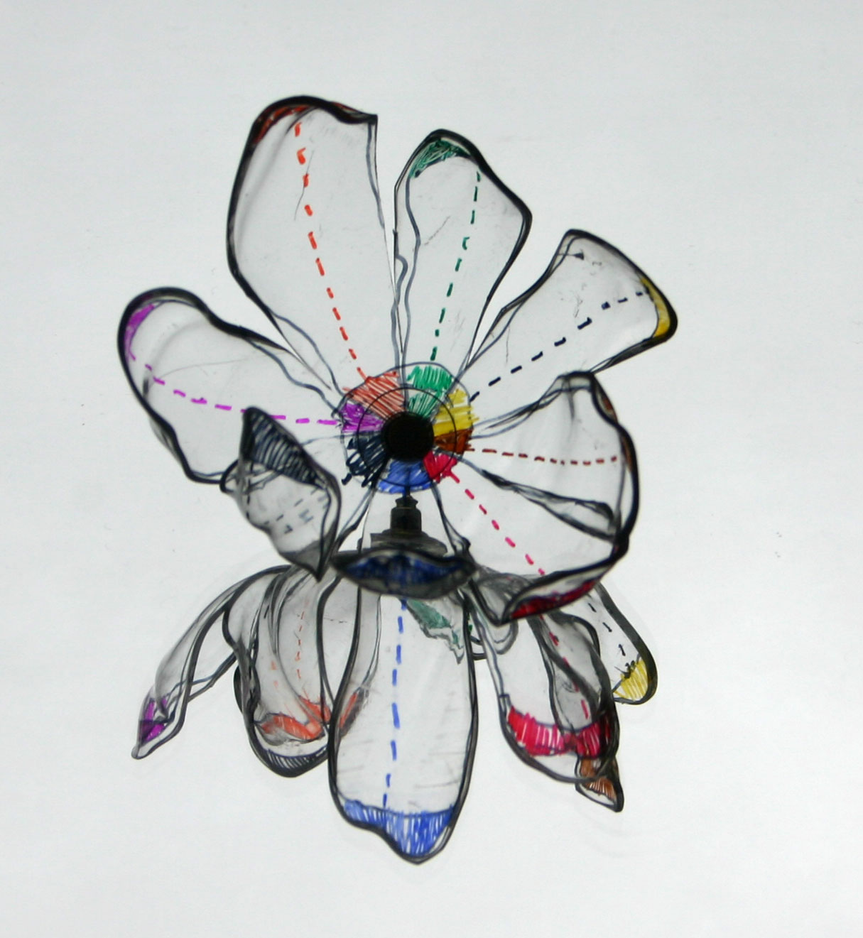 PET Jewelry Gulnur Ozdaglar flower brooch